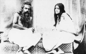 Anandamayi Ma und Ramani Mohan Chakravarti